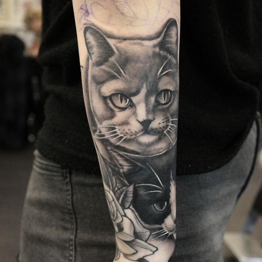 Cats for @gina.essmeier1 , thank you so much! #germantattooers #tattooworkers #t