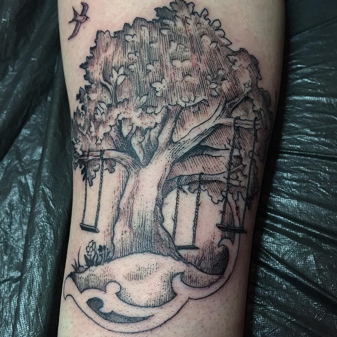 Familientätowierung,  #stuckinthepasttatto #tattoograving #aufkohlegeboren #tree