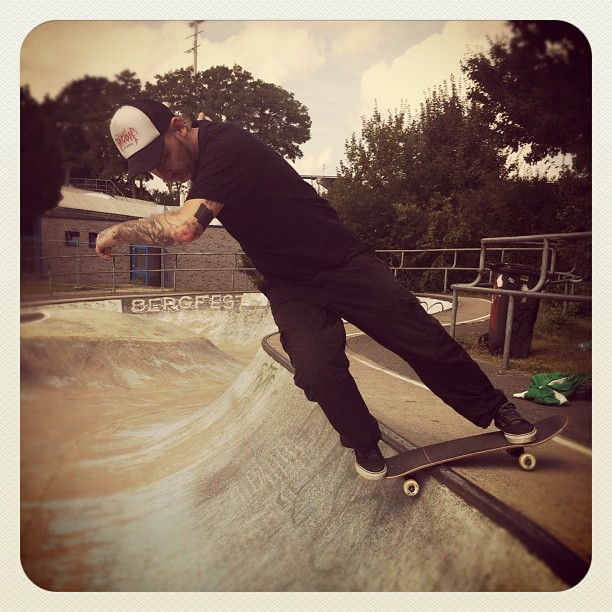 Finally a Session at the old snakerun at the legendary Berg Fidel! #skateboard#s...