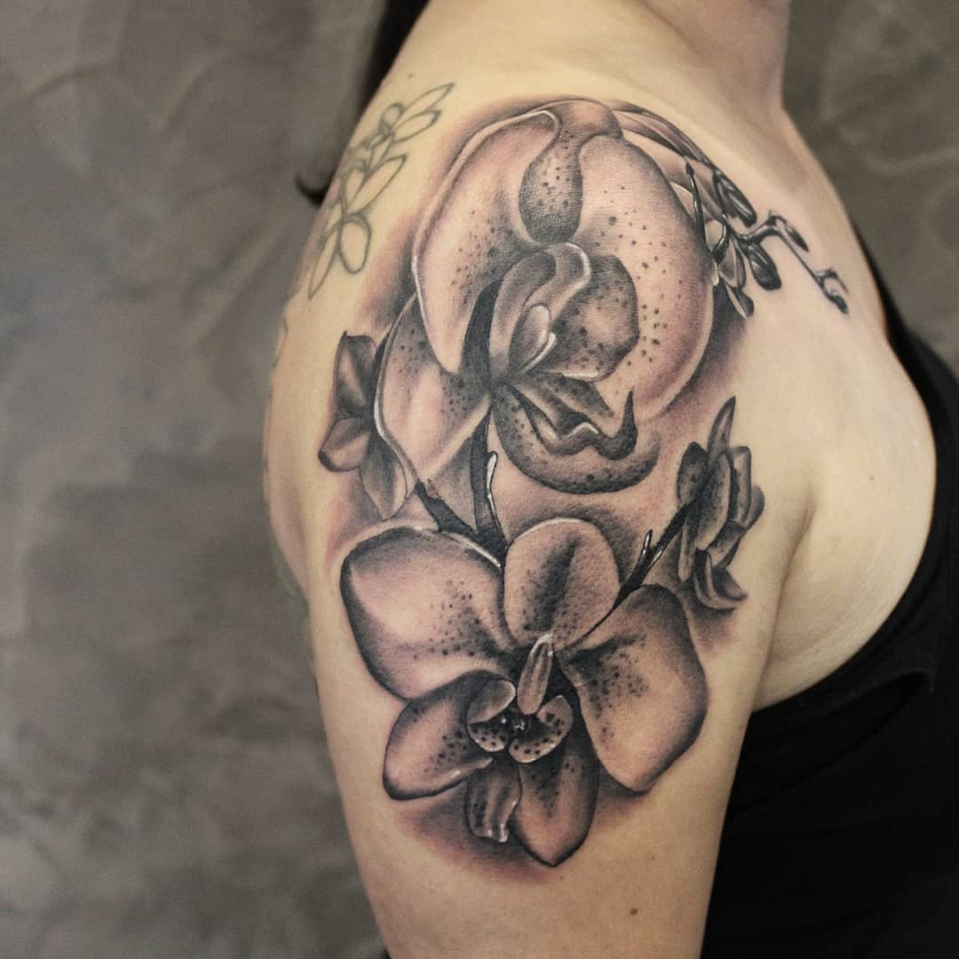 Fresh orchids, thankx for the patience #germantattooers #germanartist #tattoowor...
