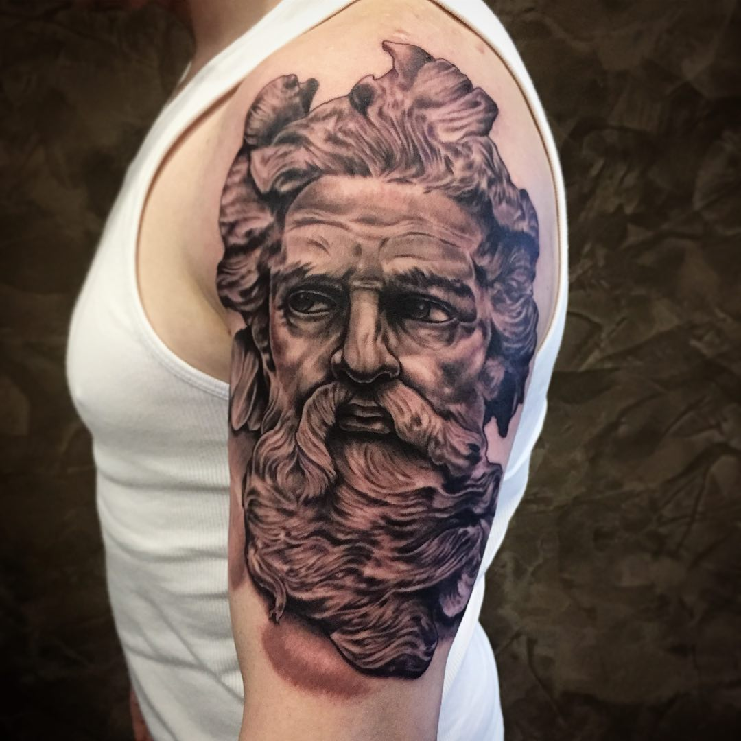 Good start on a sleeve today, going to finish this first section in a couple of ...