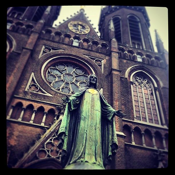 Hail Satan Worshipping Doom #jesus#christ#jesuschrist#statue#jesusstatue#tilburg...