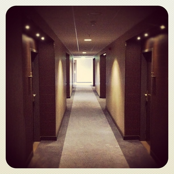 I've got the Shining® #hotel#floor#hotelfloor#emptyfloor#gangway#tunnel#tunnelvi...