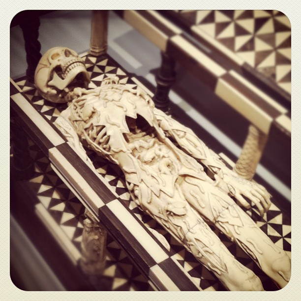 "Ladies and Gentlemen...""Das Tödlein"" #vanitas#death#mementomori#skull#skeleton#c..."