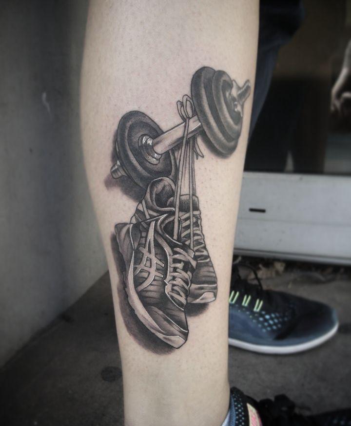 Lil sporty one from today!  #germantattooers #tattooworkers #blackandgreytattoo