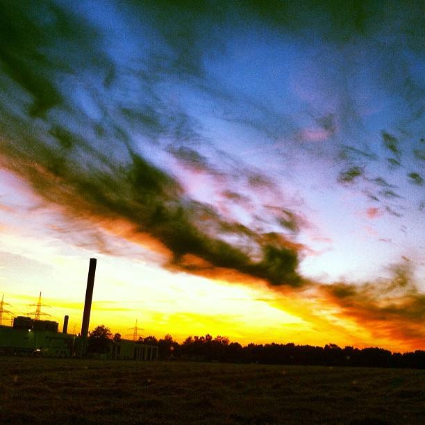 Ruhrpott #sunset#sundown#dusk#sky#skyline#clouds#colours#eve#night#nightsky#ruhr...