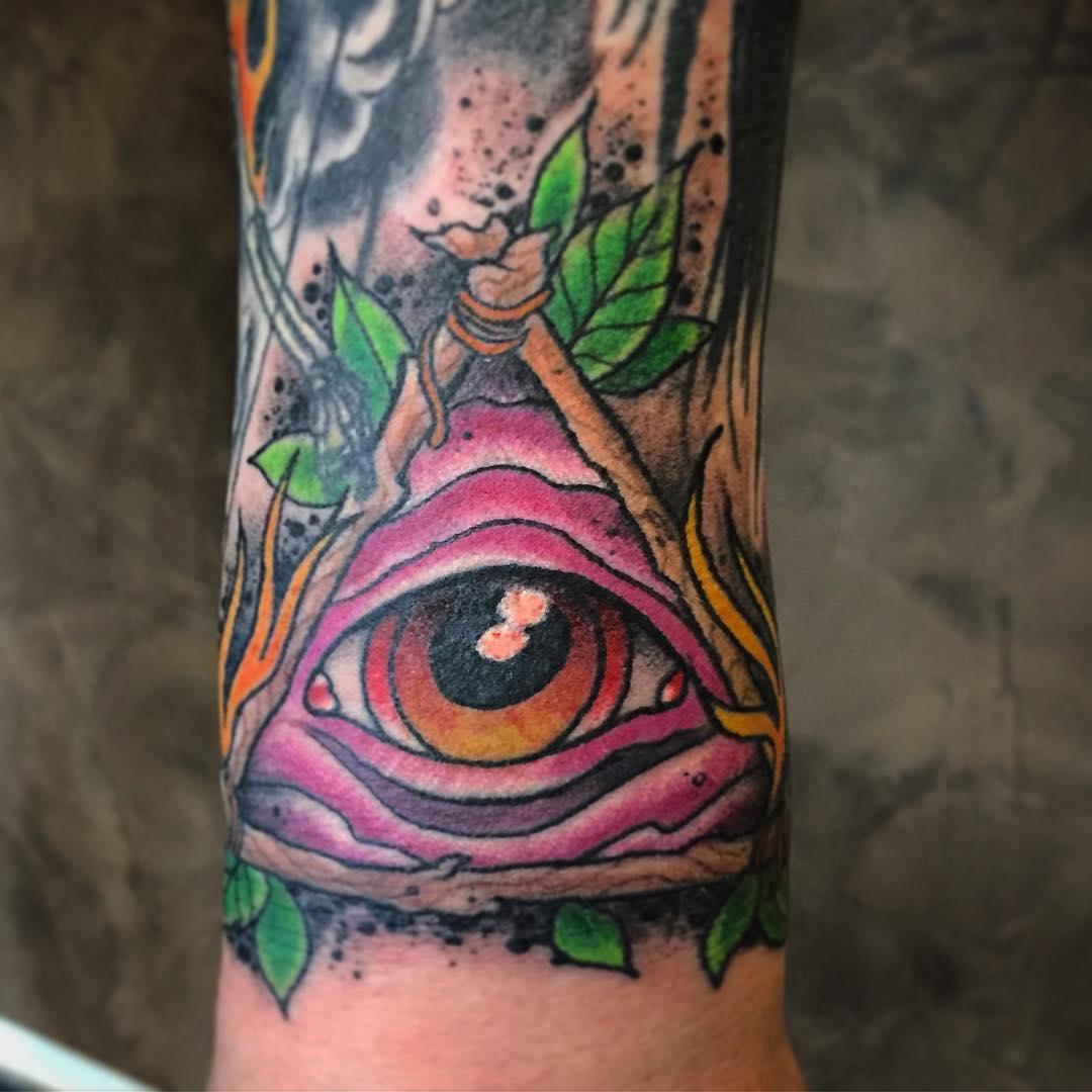 Small gap filler before the weekend... #tattoo#tattooing#tatovering#tatouage#tat...