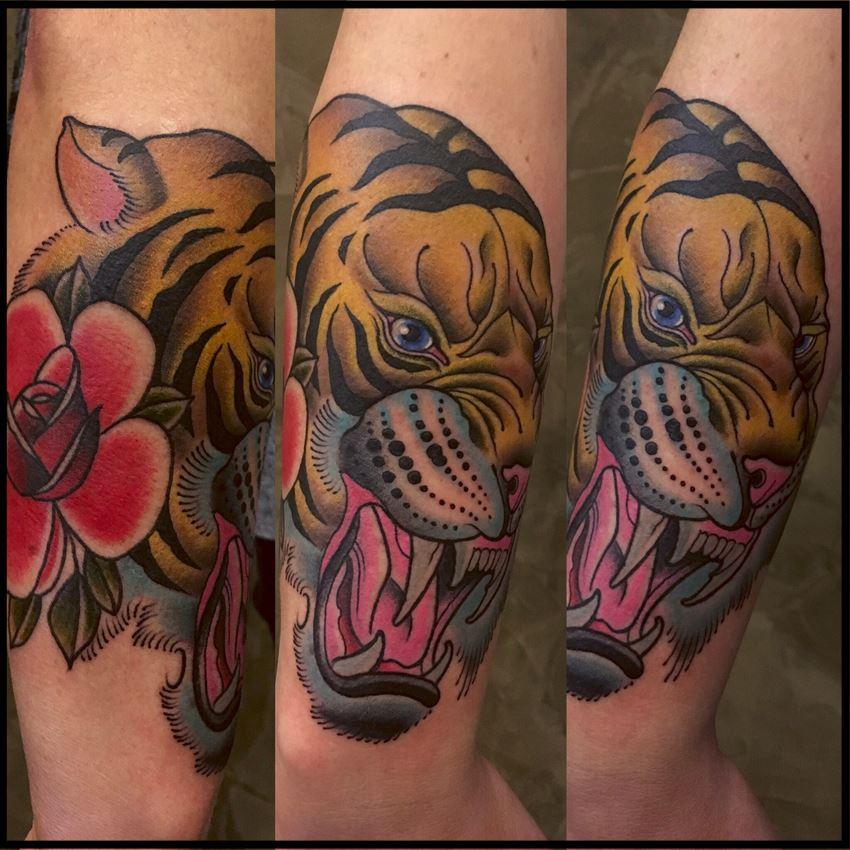Und zu guter letzt noch nen Tiger mit Biss und allem drum und dran.... von Ron R...
