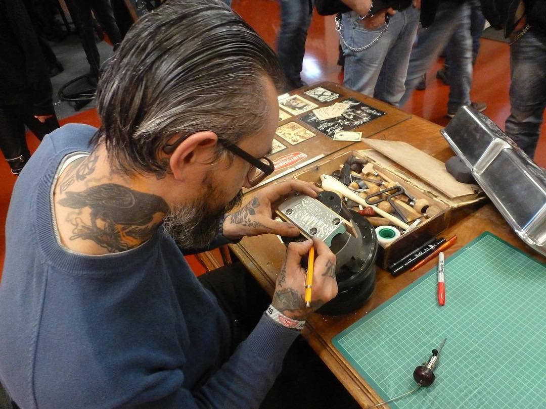 concentrated @custombike_magazine show.. #lining #freehand #craft #typography #l
