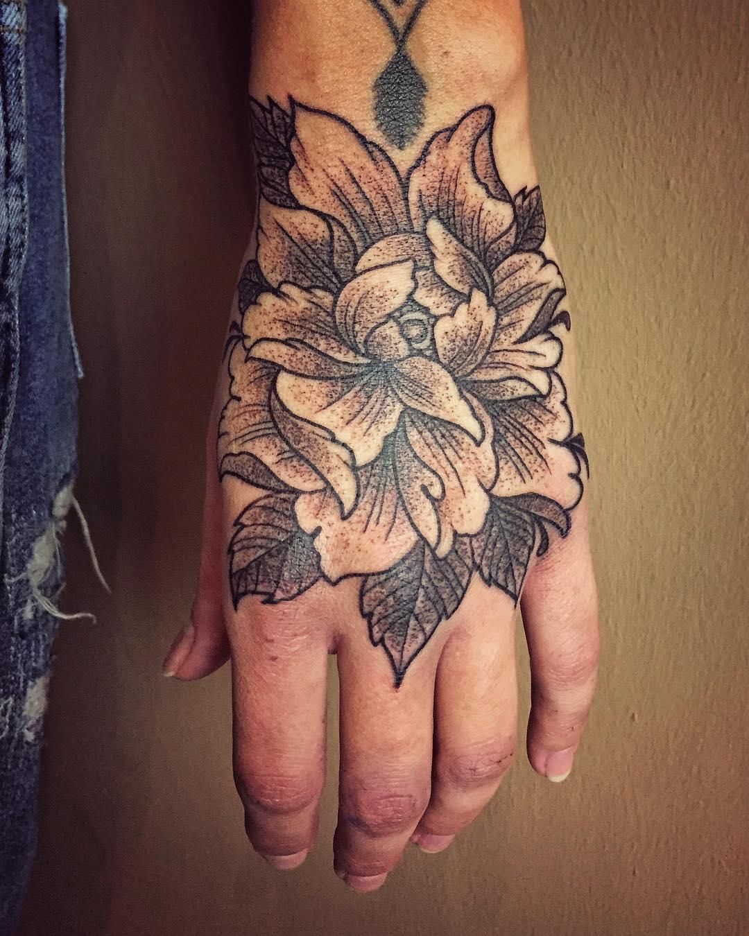 handjob for laura. . . . #tattoo #tattooing #tatovering#handjob #formula23 #bott...