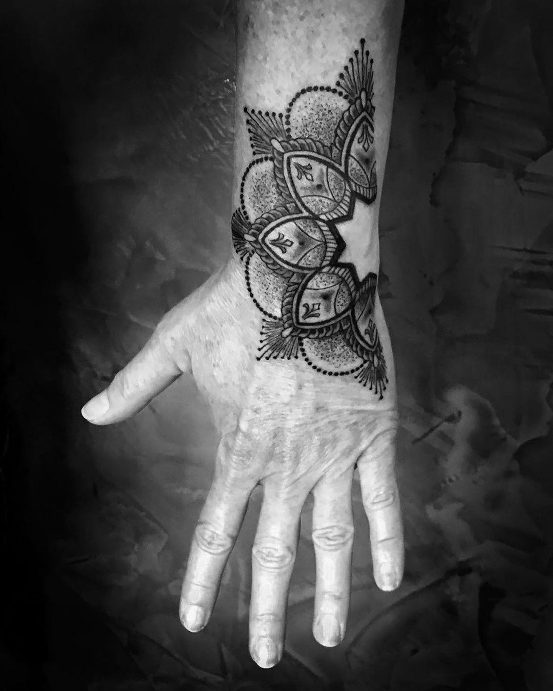 #tattoo #tattooing #tatovering#handjob #formula23 #bottrop#zeitgeist#zeitgeistta...