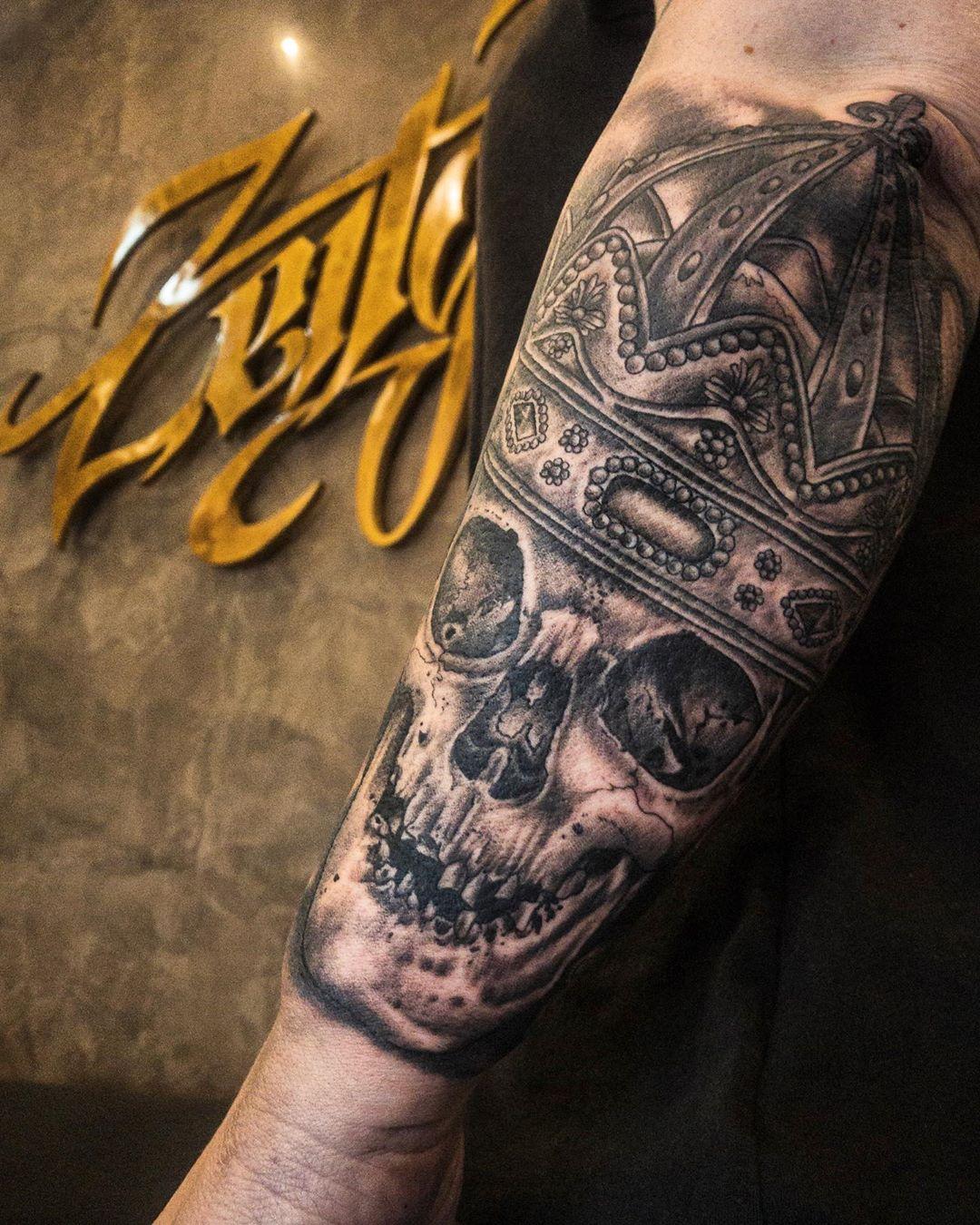 . #tattoo #tattooing#tatuagem#tatovering#blackwork #blackworkers#blackworktattoo...