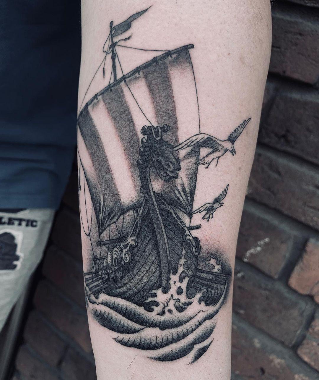 ür Termine November/ Dezember an:  matthias@zeitgeist-tattoo.com  Aktuell bin ic