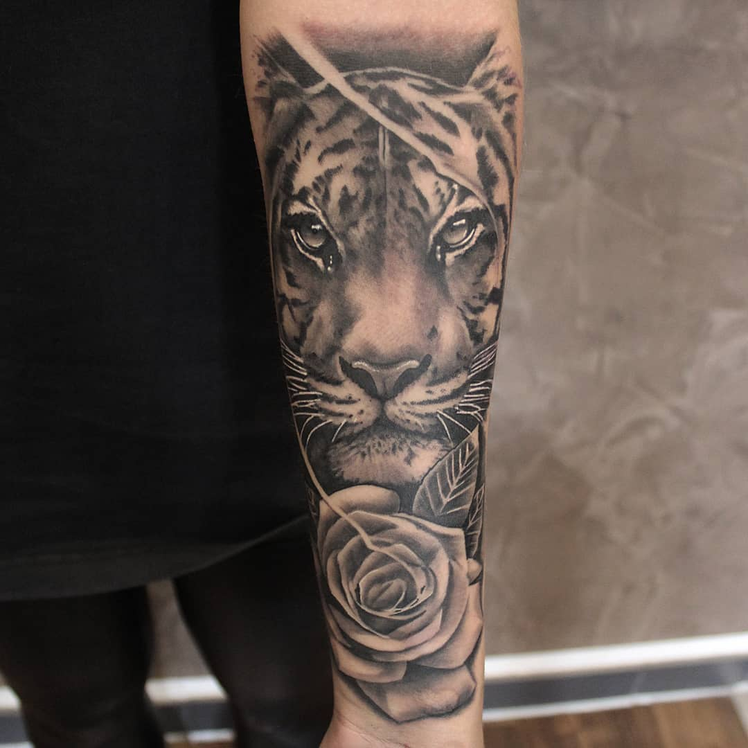 Thank you yasmin! #germantattooers #germanartist #tattooworkers #tattoolife #tat